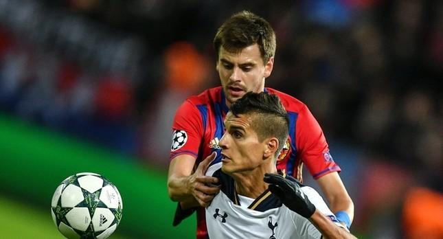 Георгий Щенников против Эрика Ламелы. Фото: РИА Новости