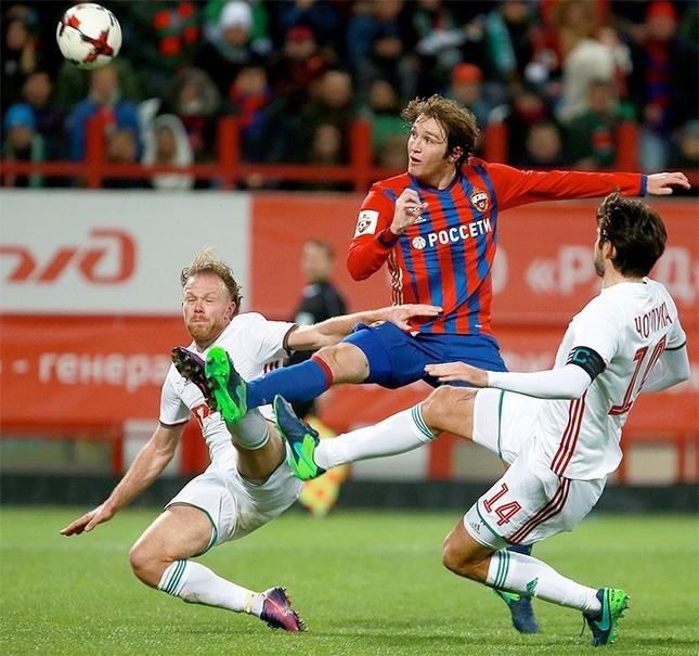 Марио Фернандес в дерби с «Локомотивом»